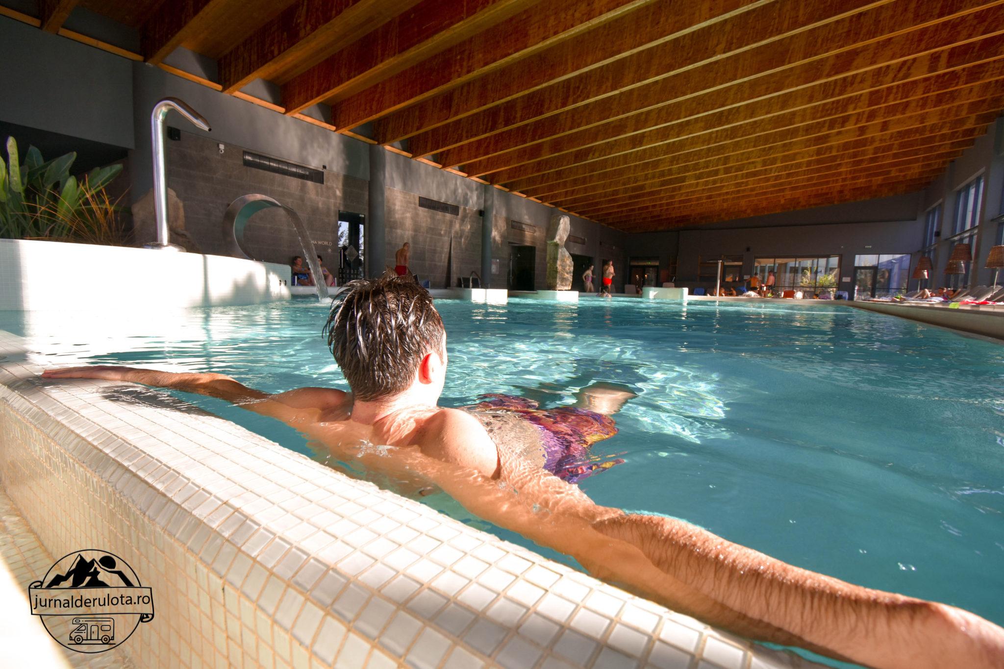 piscina-interioara-mare-balvanyos-resort-spa.jpg