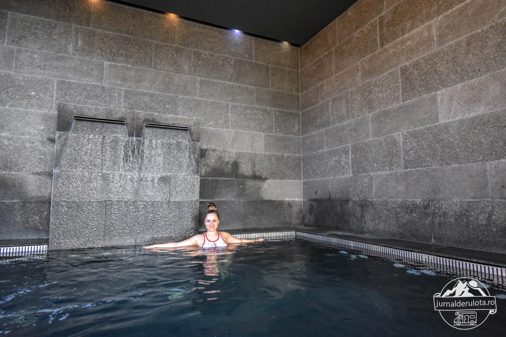 piscina-apa-foarte-calda-balvanyos-resort-spa.jpg